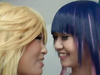 Panty & Stocking Japanese cosplayers playing