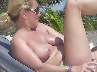 Extra boobs french wife hidden mexico incredible topless