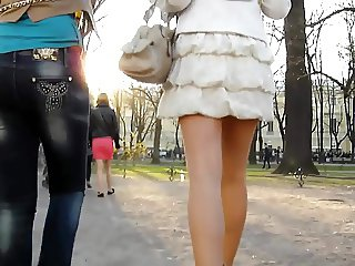 UNDER THE SKIRT UPSKIRTS 154
