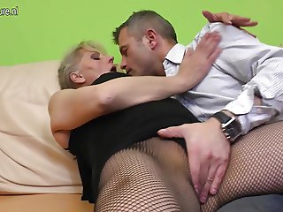 Hairy mature mom moaning while she gets fucked hard