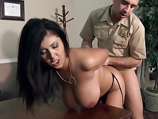 Best Position for a Quickly Fuck this Big Tits Cougars