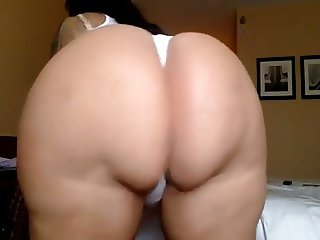 Ugly White Bitch With Phat Ass