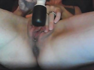 Clit vibrator makes her SQUIRT