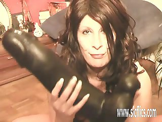 Gigantic dildo penetrations for her greedy pussy