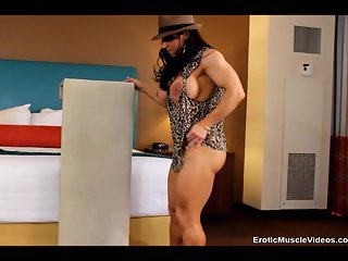 EroticMuscleVideos - Big Clit And Sexy Fbb