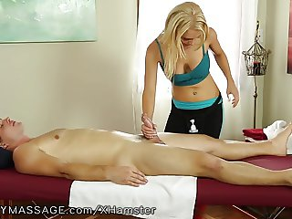 Fantasy Massage Alix Lynx is a Vixen!