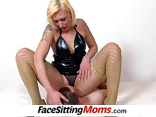 Pussy eating feat. horny milf Dita