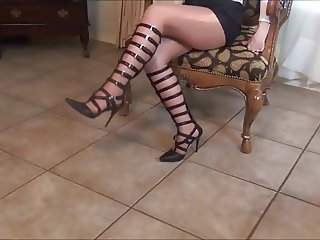 Gilf In very sexy shoes