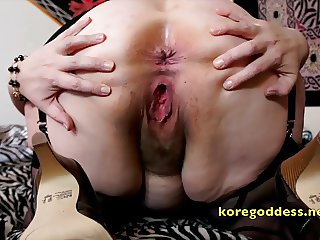 Big tits babe has her hairy pussy pumped up
