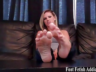 My perfect little toes are begging to be sucked