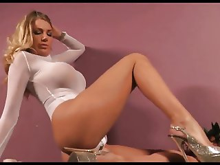 HOT BRITISH BLONDE WANTS YOU TO JERK OFF