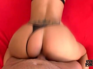 Hot girl likes to fuck with me!