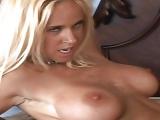 Blond MILF gets creampied