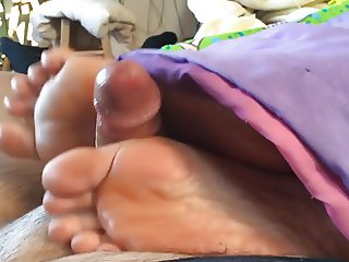 Cum On Soles Amateur Footjobs(18)