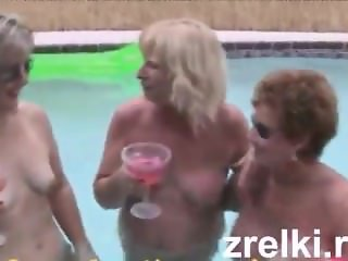 Zrelki.ru - 3 Grannies get a LOAD while on Vacation
