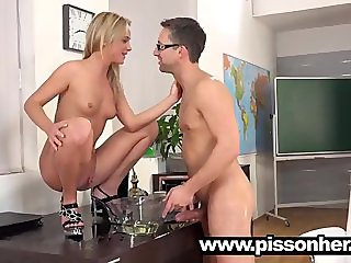 Naughty blonde gets piss in pussy