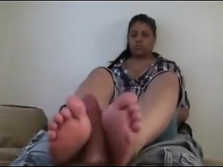 Mexican gives a footjob