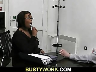 Plump black cookie gives up her fat cunt