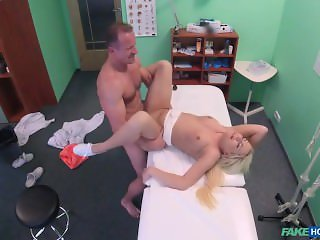 [FakeHospital] Lucy Shine (Doctor Helps Blonde Get a Wet Pussy)