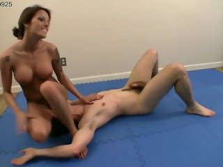 Girl Turns the Tables on Her Opponent, Grabs His Balls and Makes Him Cum