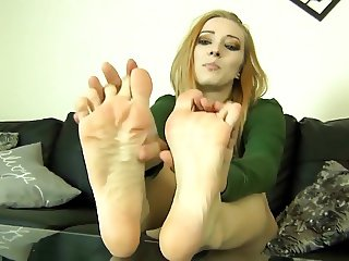 Orias Toe Scrunch - Beautiful Blonde Feet Video