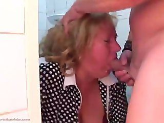 Perlina - Mature Toilet Sluts