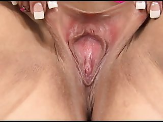 Big outer lips spread