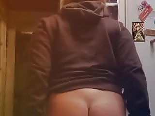 19yr old big butt Samantha trying on jeans
