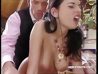 Slutty Maif Amanda Helps her Boss Relax