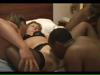 Hubby cums last in wife's pussy