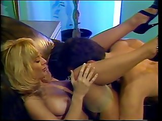 Hostage get best treatment from blondy