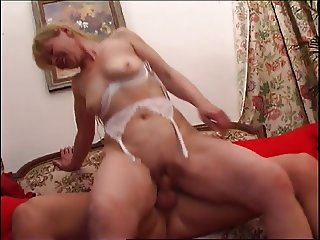 Old & Young - mom happy to get some cock