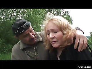 Teen girl gets fucked by lucky grandpa