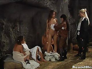 Countess Making Love With Her Lesbian Slave