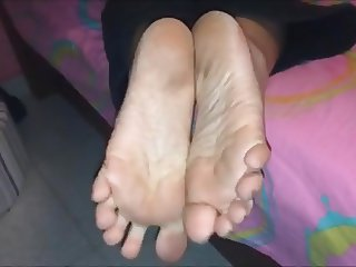 Machi (Chita) moves her dirty (size 38) feet, part 3