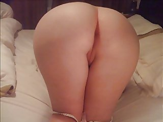 Irish wife playng with her pussy