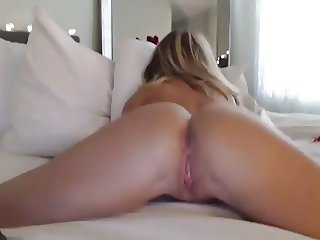 Dating Internet with Hot Cougar on Camera and Teasing