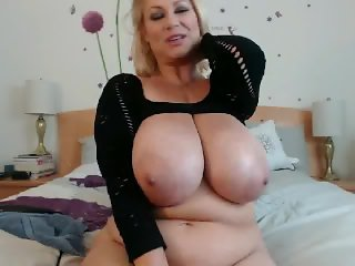 BBW With Huge Titties Having Fun