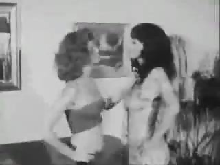 Gretchen Gale and Su Ling vintage catfight