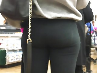 Big Booty & Beyond (CANDID PAWG)