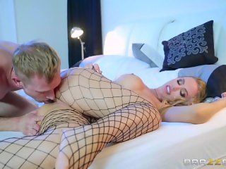 Brazzers - Naughty dom Nicole Aniston takes what hers