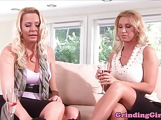 Glamour dykes masturbates after fingerfuck