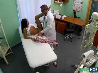 Fake Hospital - Young Girl With Bad Back Has No Trouble Bending Over