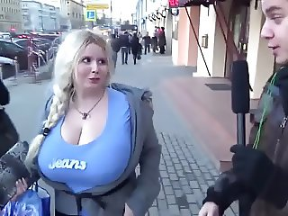 huge boobs shoking the bodcaster