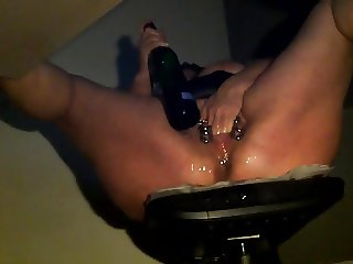 hidden cam at work -versteckte Kamera Bottle squirt