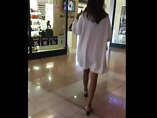 shopping for milf upskirts