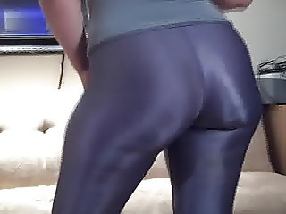 PAWG MILF Booty In Shiny Spandex
