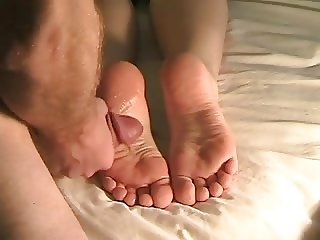 The best huge feet cumshot ever!!!