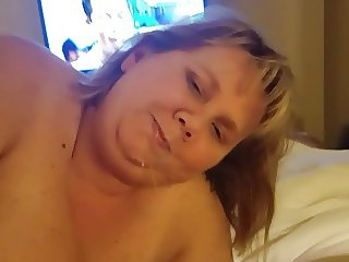 BBW Busty Wench Sucking and Facial