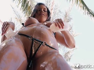 Exotic4K - Exotic Karter Foxx fucked doggystyle out back by the pool